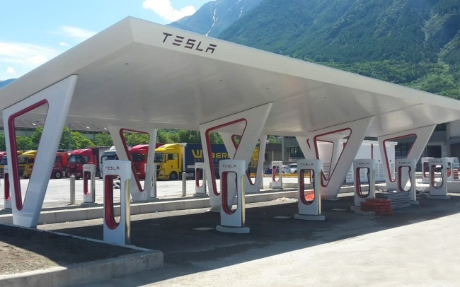 Tesla Opens Europe S Largest Supercharger In Italy Lifegate