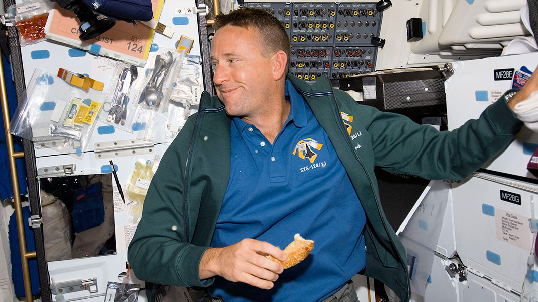 what would astronauts eat in space - photo #20