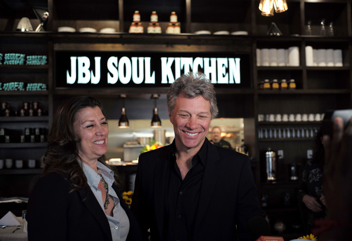Bon Jovi, the musician launches a chain of restaurants to feed the ...