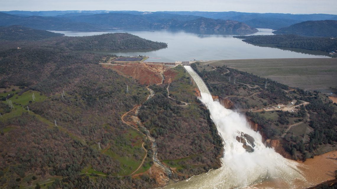 Oroville Dam crisis, why 200,000 people near the US' tallest