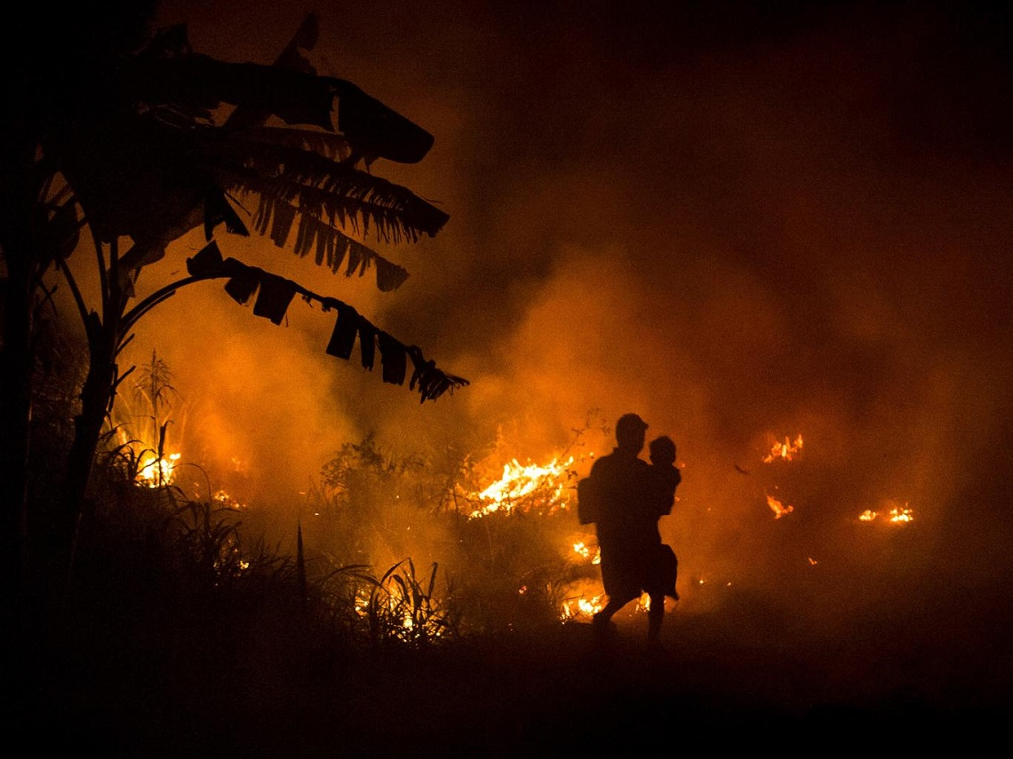Indonesia in fiamme