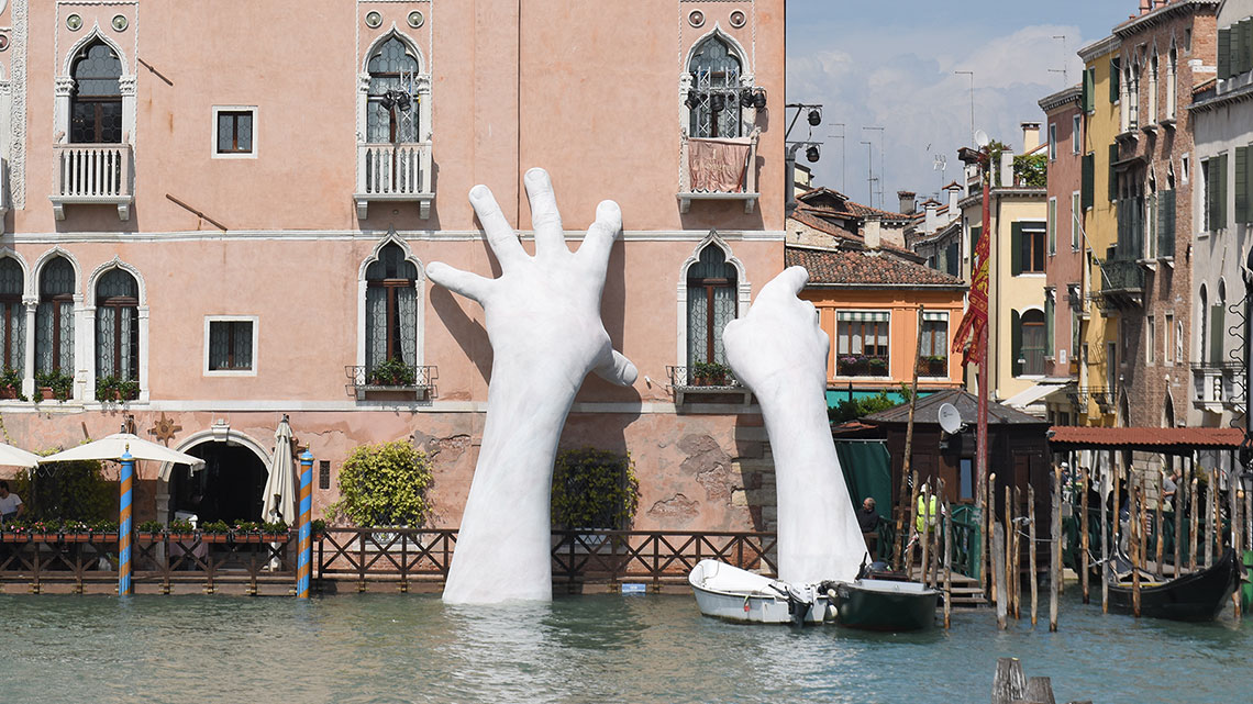 Lorenzo Quinn Why People Are Taking Notice Of Giant Hands
