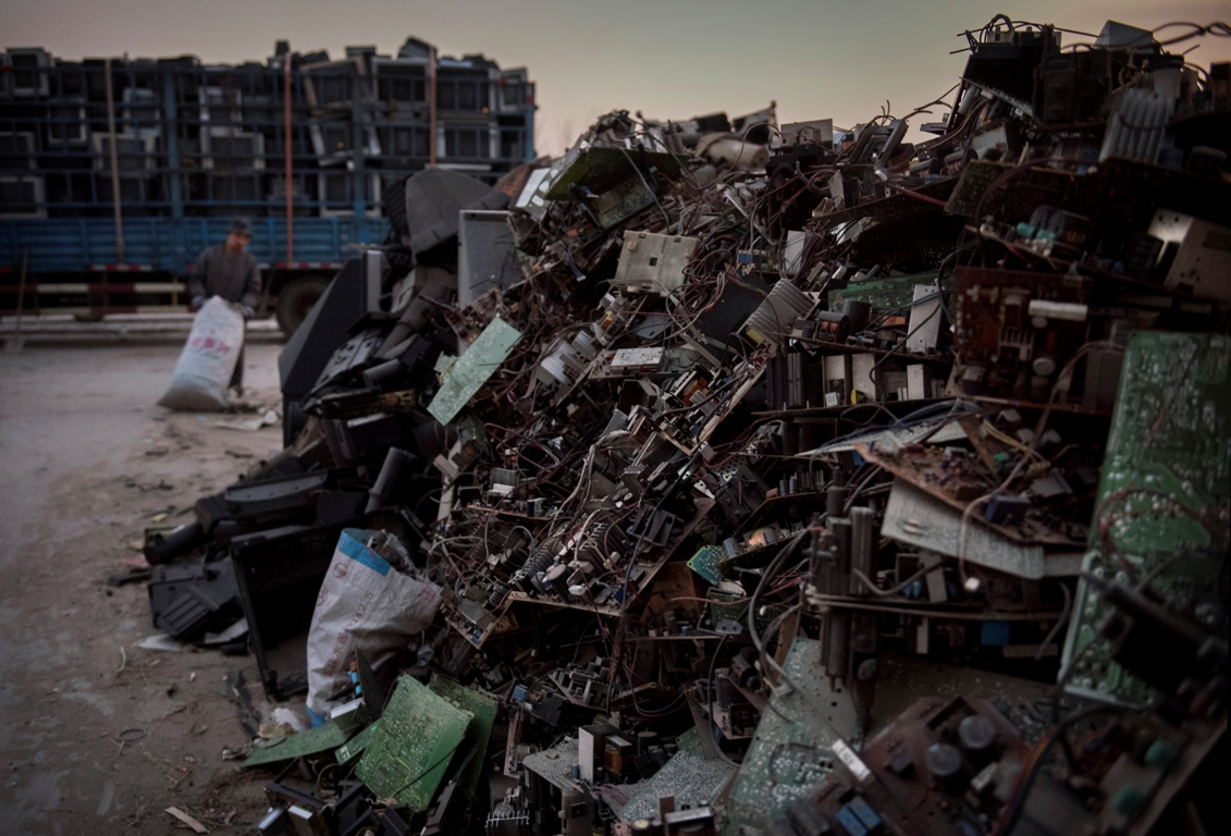 Whats Wrong With The E Waste Trade In Usa Lifegate Electronics Scrap Recycling Pictures