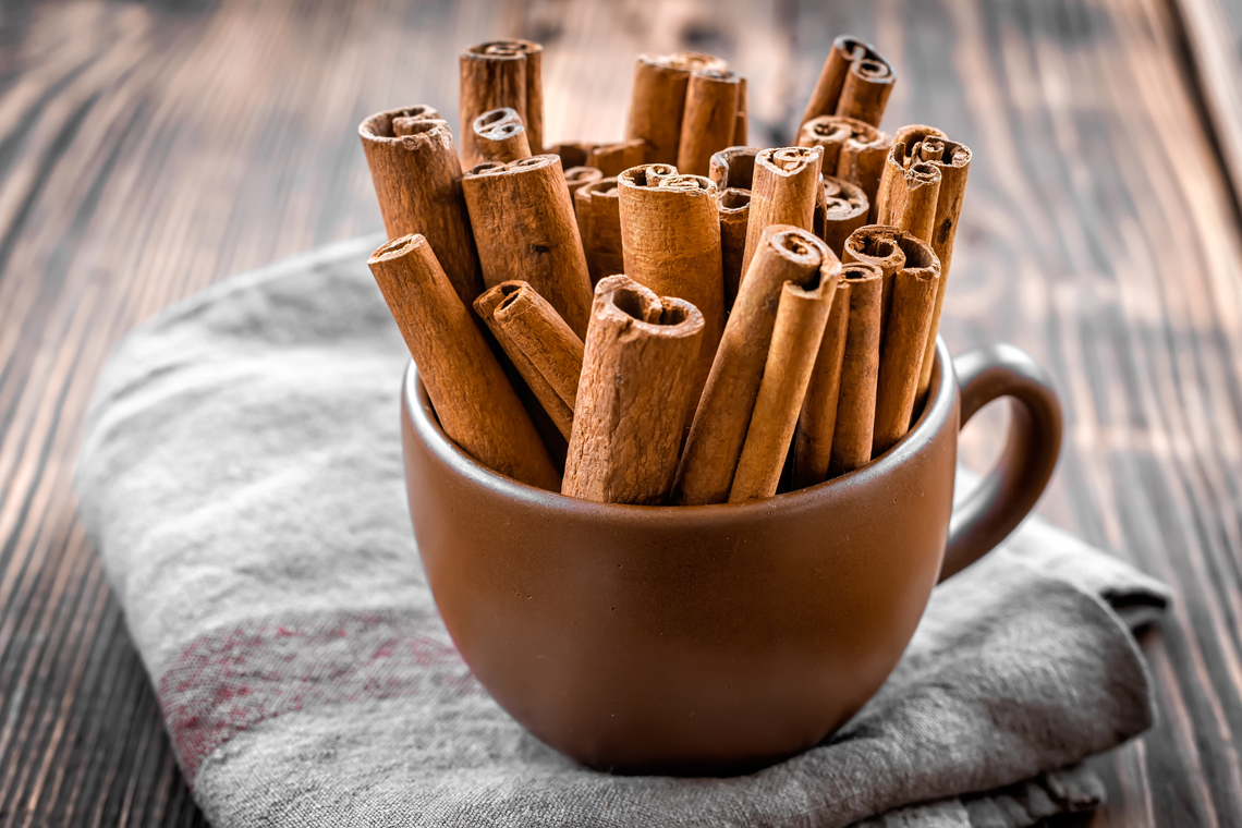 cinnamon sticks taste