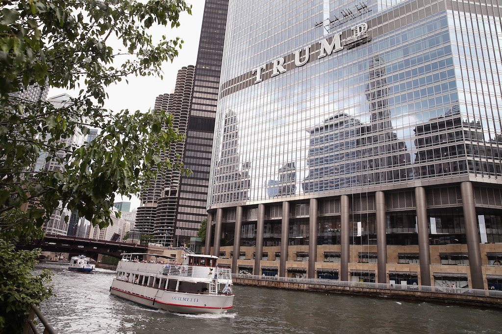 trump tower chicago fiume denuncia