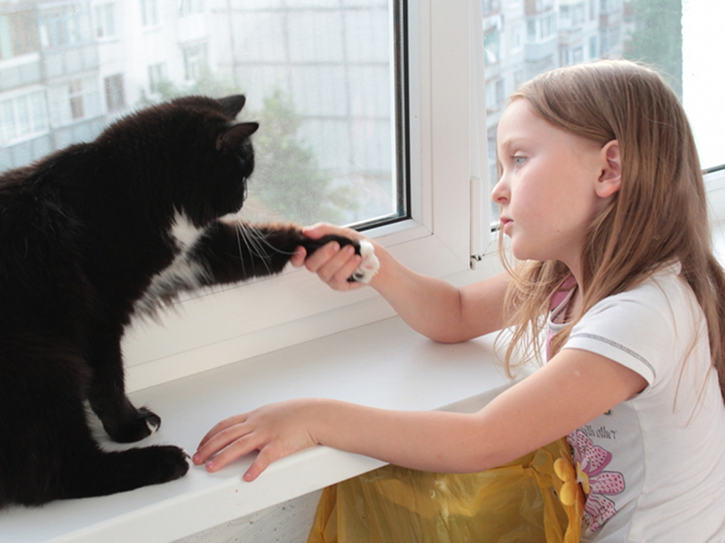 Consider Alternatives >> Cats and children: 5 myths to dispel | LifeGate
