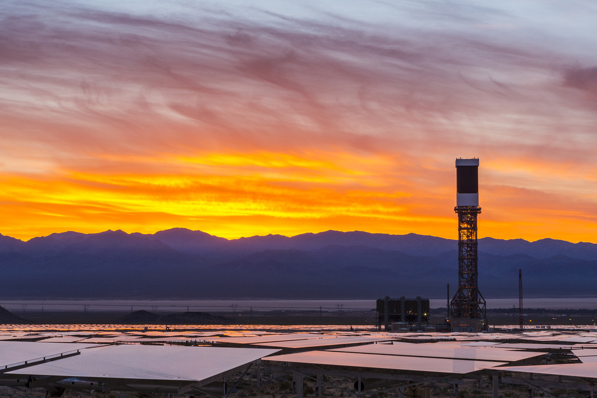 Worlds Largest Concentrated Solar Power Plant Now Operational Ivanpah Facility Electricity Generation System The Electric Generating