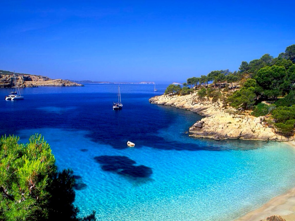 mediterranean sea The mediterranean is the largest sea that is not called an ocean bordered by western europe to the north, africa to the south and the middle east to the east this sea is surrounded by many of the world's most ancient civilisations.