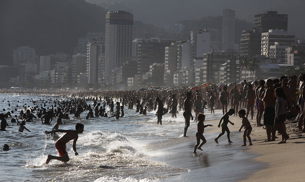 Residents Crowd Beaches During Rio De Janeiro Heat Wave