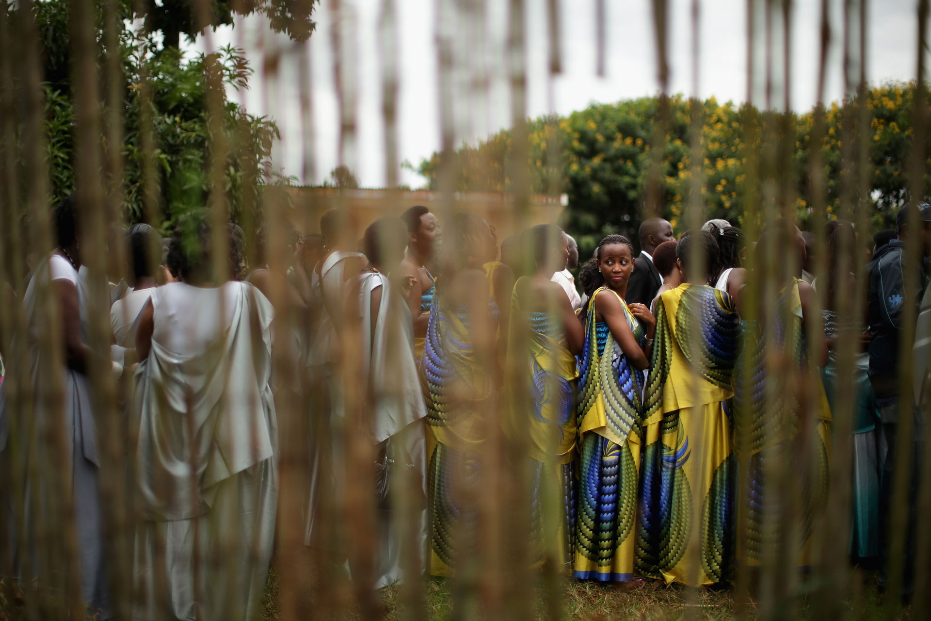 rwanda genocide who is to blame The rwandan genocide, also known as the genocide against the tutsi, was a  genocidal mass  a later investigation by the rwandan government blamed  hutu extremists in the rwandan army in january 2012, a french investigation  was.