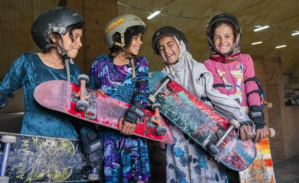 skate-girls-of-kabul-10orig_main_1