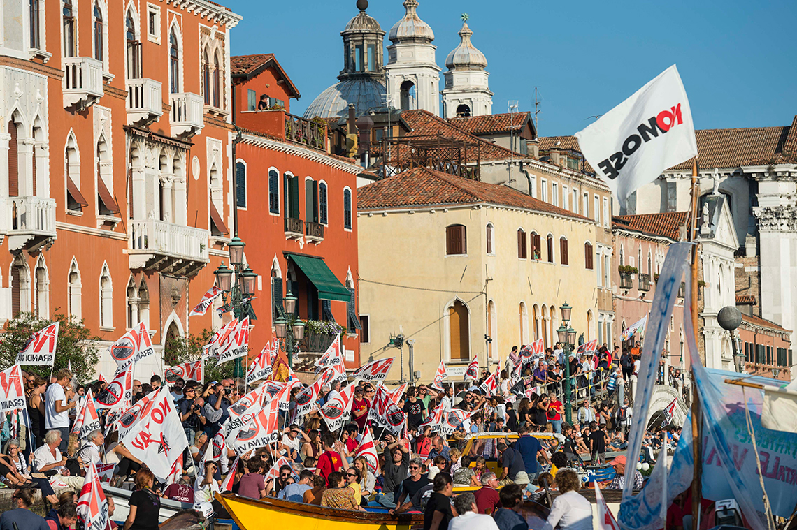 cruise ships venice protests
